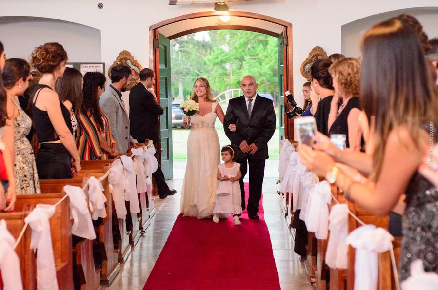 fotos de boda, fotografo de casamientos, novios, fiesta, rosario, iglesia, colonia medici, boda al aire libre